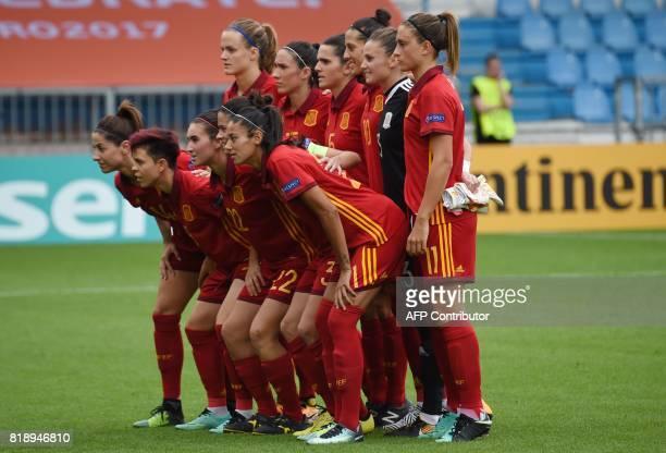 Spain's players goqlkeeper Sandra Pasos Marta Torrejon Irene Paredes Andrea Pereira Amanda Sampedro Jennifer Hermoso Alexia Putellas Vicky Losada...