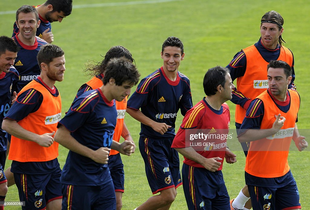 Spain´s players jog during a training session of the Spanish football team on May 25, 2010, at the Sports City of Las Rozas, near Madrid. Spain, among the favourites for the World Cup, which runs from June 11-July 11, face Switzerland, Honduras and Chile in Group H of the opening round.