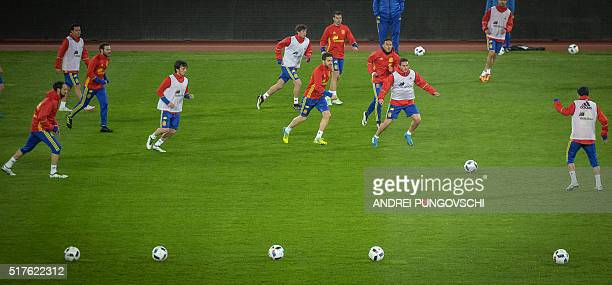 Spain's players take part in a training session on March 26 on the eve of the friendly football match Romania against Spain in Cluj Napoca city / AFP...