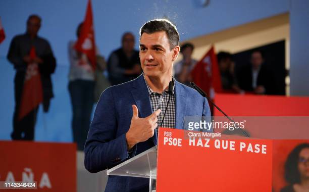 Spain's Prime Minister Pedro Sanchez leader of PSOE party attends a rally during the election campaign on April 17 2019 in Palma de Mallorca Spain...