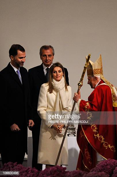 Spain's Princess Letizia and Spain's Prince Felipe meets Pope Benedict XVI prior to a mass celebrated at the Obradoiro Square in front of the...