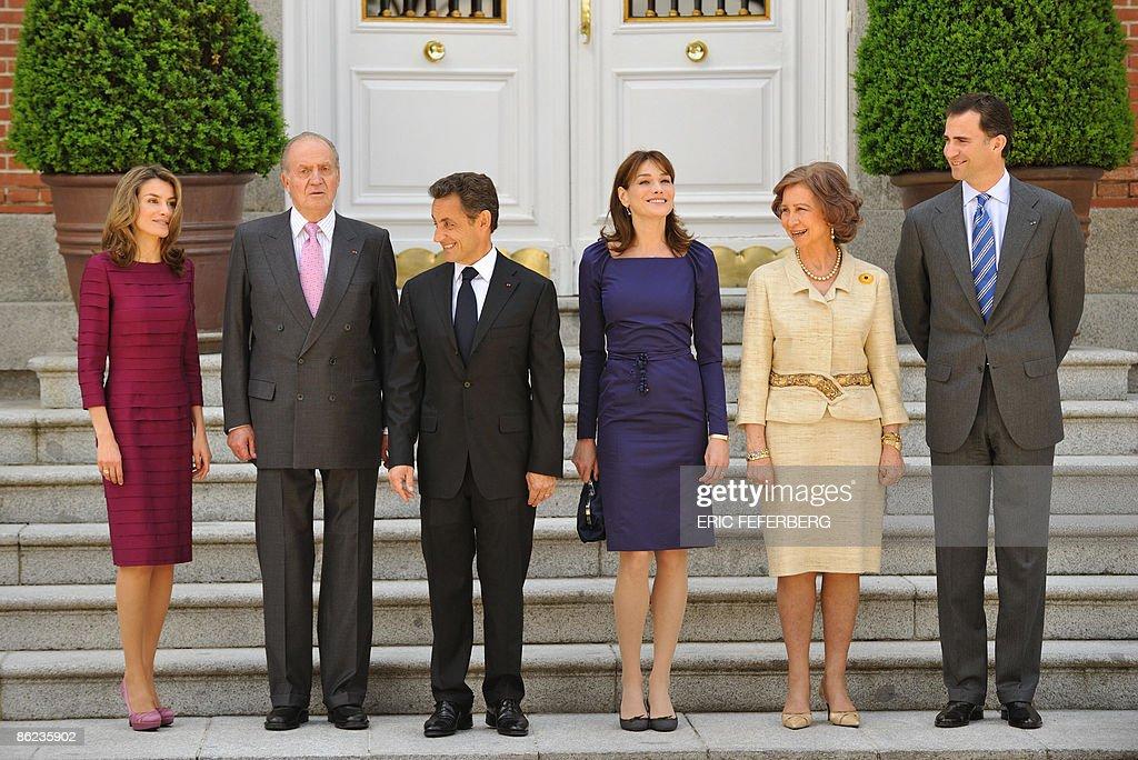 (L to R) Spain's Princess Letizia, Spain : News Photo