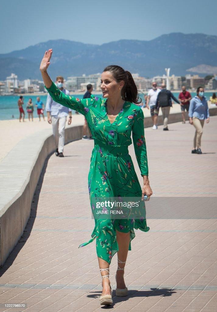SPAIN-ROYALS-HEALTH-TOURISM : News Photo