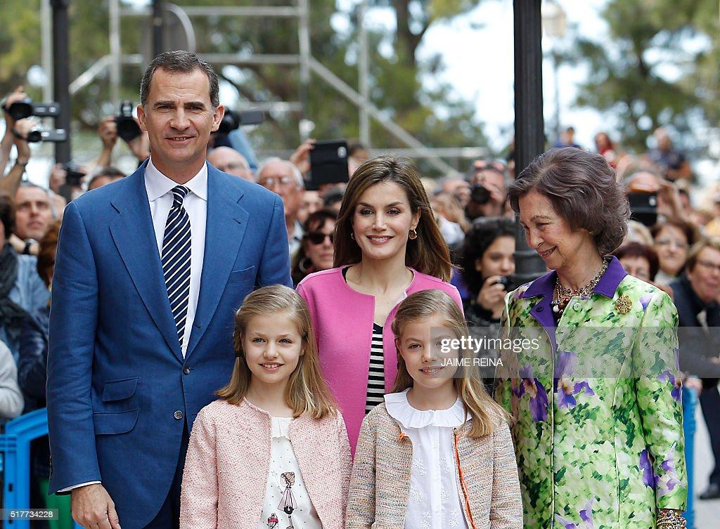 SPAIN-ROYALS-HOLY-WEEK : News Photo