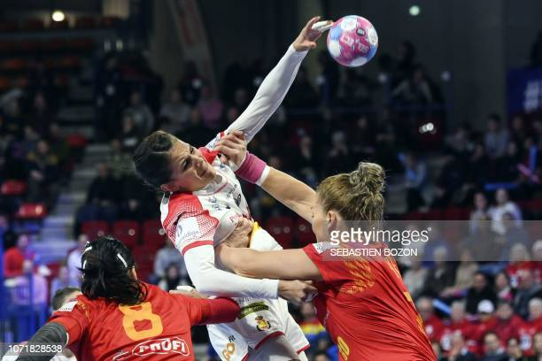 Spain's right back Almudena Rodriguez shoots during the 2018 European Women's handball Championships Group 2 main round match between Spain and...