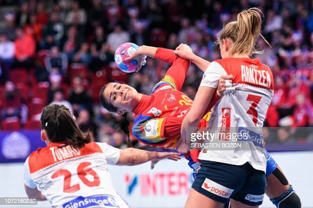 Spain's right back Almudena Rodriguez vies with Norway's left back Emilie Hegh Arntzen and Norway's center back Marta Tomac during the 2018 European...