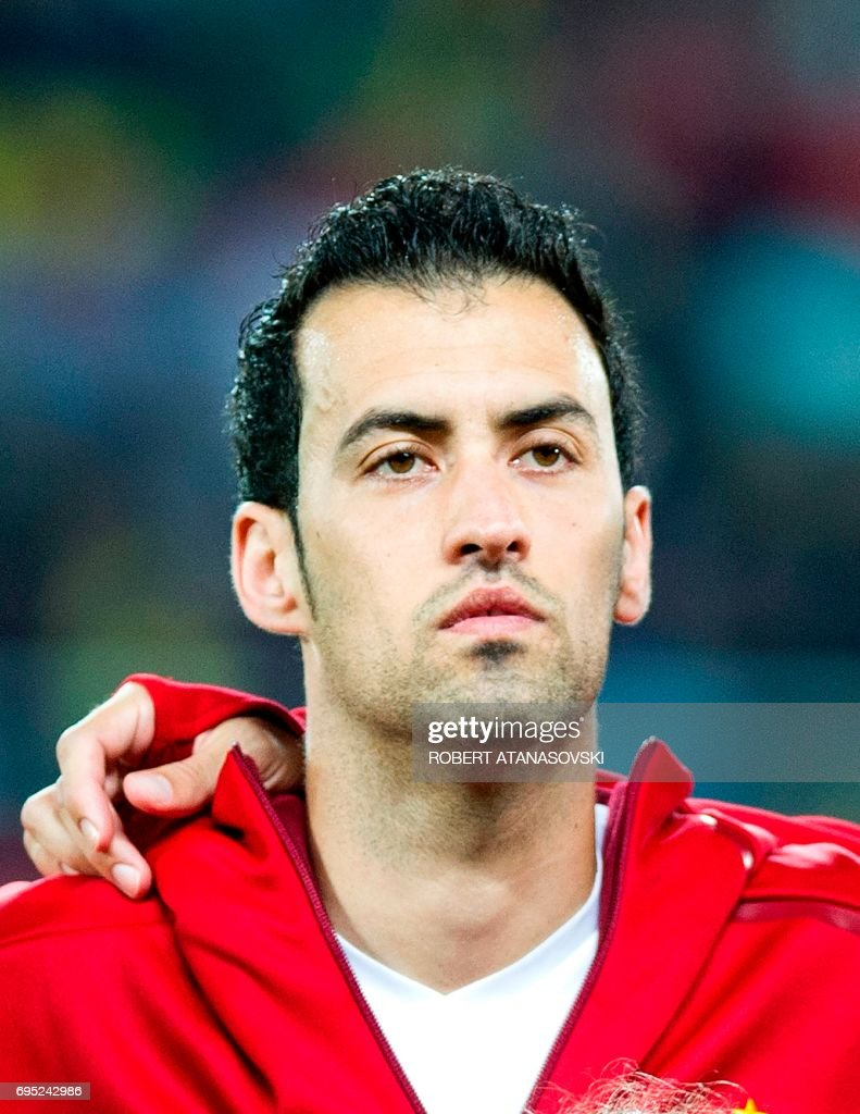 Spain's Sergio Busquets looks on prior to the FIFA World Cup 2018 qualifying football match betyween Macedonia and Spain at Philip II of Macedon stadium in Skopje on June 11, 2017. / AFP PHOTO / Robert ATANASOVSKI