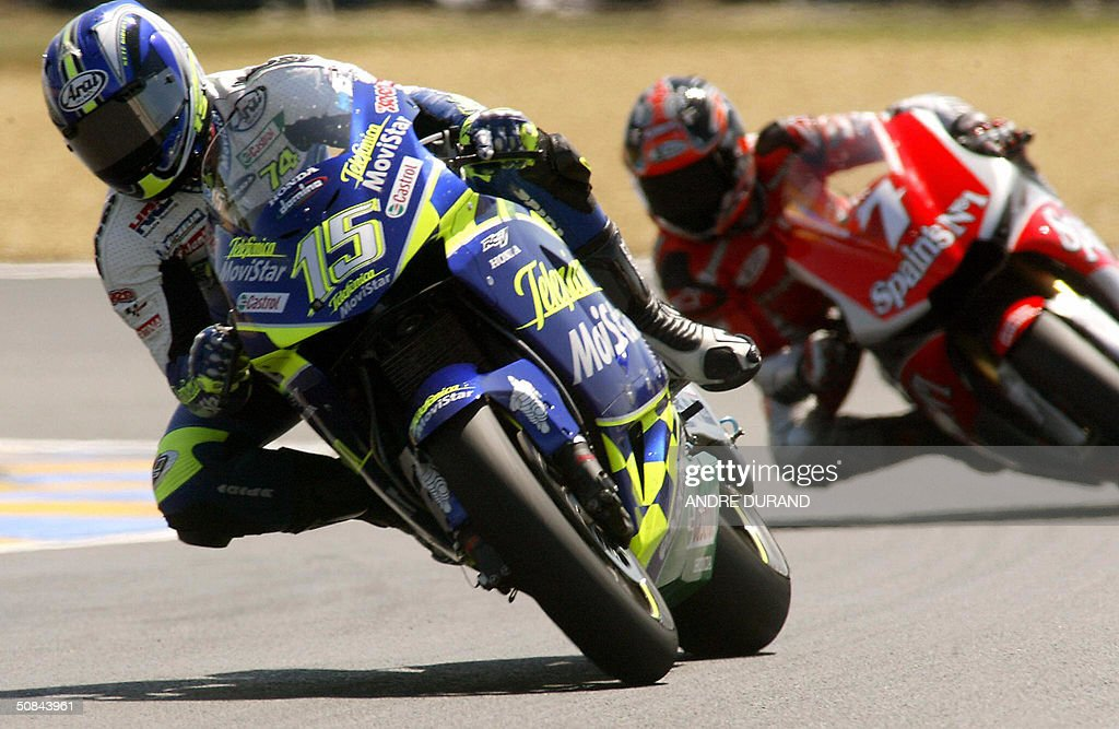spains-sete-gibernau-rides-in-front-of-h