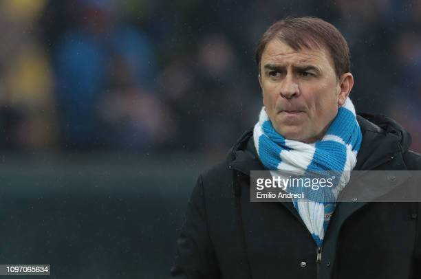 Spal head coach Leonardo Semplici looks on during the Serie A match between Atalanta BC and SPAL at Stadio Atleti Azzurri d'Italia on February 10,...