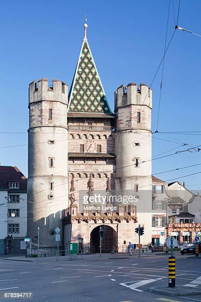 spalentor gate, basel, canton basel stadt, switzerland, europe - porta cittadina foto e immagini stock