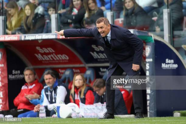 Spal's coach Leonardo Semplici reacts during the Serie A match between Cagliari and SPAL at Sardegna Arena on April 7 2019 in Cagliari Italy