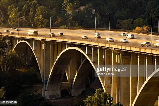 span of the 210 freeway at pasadena, ca - pasadena freeway stock pictures, royalty-free photos & images