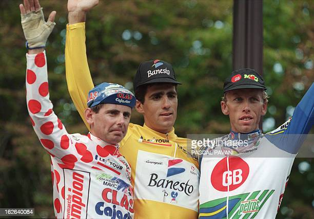 Spaniard Miguel Indurain wearing the Yellow Jersey of the overall leader of the Tour de France Tony Rominger from Switzerland wearing the red and...