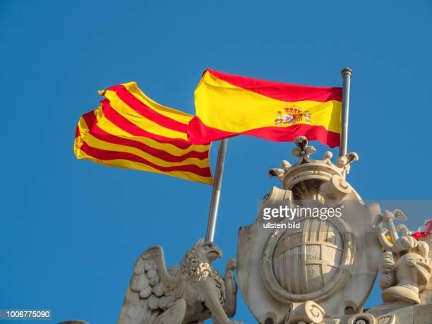 Spanien Barcelona Flaggen Sopanien und Katalonien