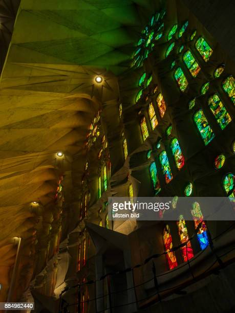 Spanien Barcelona Kirche SAGRADA FAMILIA Innenaufnahme