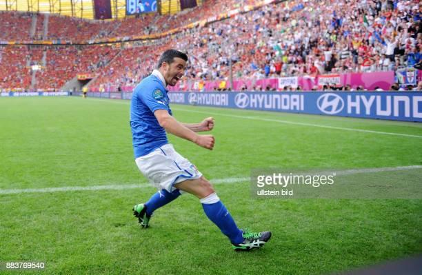 FUSSBALL EUROPAMEISTERSCHAFT Spanien Italien Antonio Di Natale bejubelt seinen Treffer zum 01