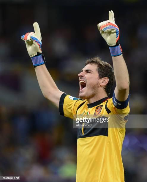 FUSSBALL EUROPAMEISTERSCHAFT Spanien Italien Torwart Iker Casillas jubelt nach dem 30