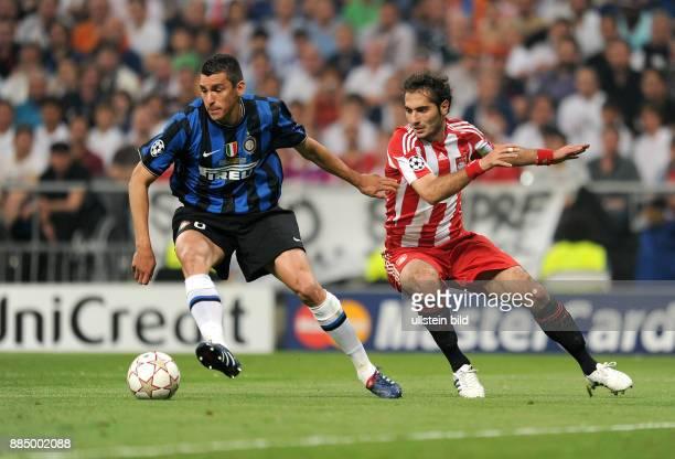 Spanien Madrid Madrid UEFA Champions League Saison 2009/2010 Finale im BernabeuStadion Inter Mailand FC Bayern Muenchen 20 Zweikampf um den Ball...