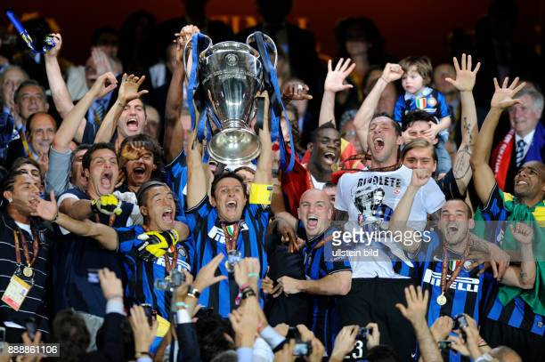 Spanien Madrid Madrid UEFA Champions League Saison 2009/2010 Finale im BernabeuStadion Inter Mailand FC Bayern Muenchen 20 Inters Kapitaen Javier...