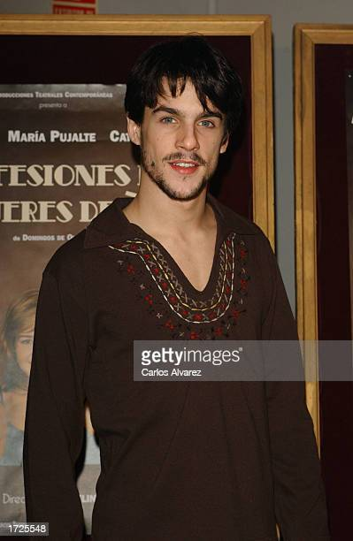 Spanish actor Alejo Sauras attends the premiere of 'Mujeres de 30' at Lara Theatre January 14 2003 in Madrid Spain