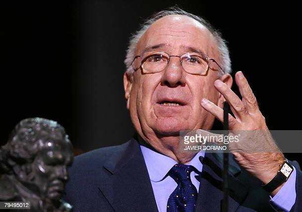 Spanish actor Alfredo Landa receives an honorary award at the Goya awards ceremony in Madrid on February 3 2008 AFP PHOTO/JAVIER SORIANO
