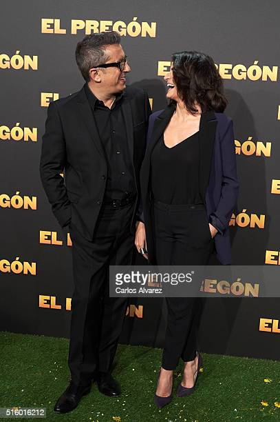Spanish actor Andreu Buenafuente and wife actress Silvia Abril attend the El Pregon premiere at the Capitol cinema on March 16 2016 in Madrid Spain