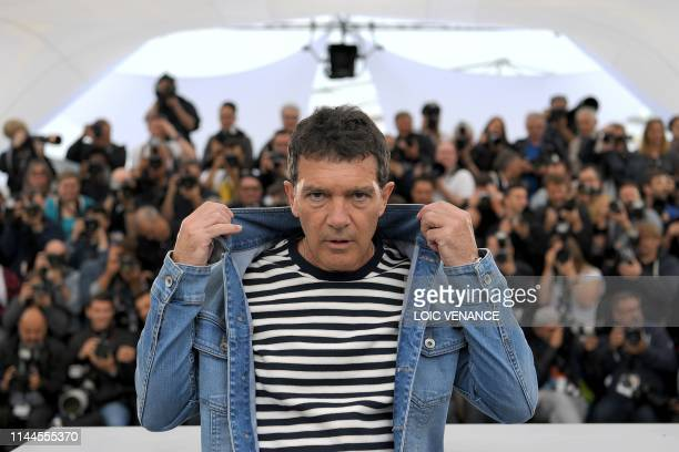 Spanish actor Antonio Banderas poses during a photocall for the film Dolor Y Gloria at the 72nd edition of the Cannes Film Festival in Cannes...