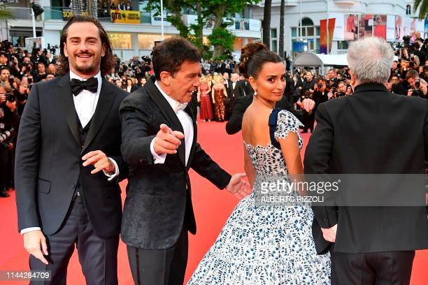 TOPSHOT Spanish actor Asier Etxeandia Spanish actor Antonio Banderas Spanish actress Penelope Cruz and Spanish film director Pedro Almodovar arrive...