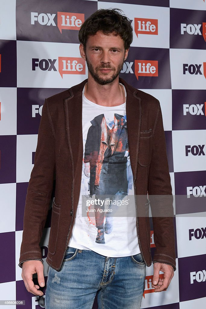 Spanish actor Eloy Azorin attends the Fox Live new channel cocktail