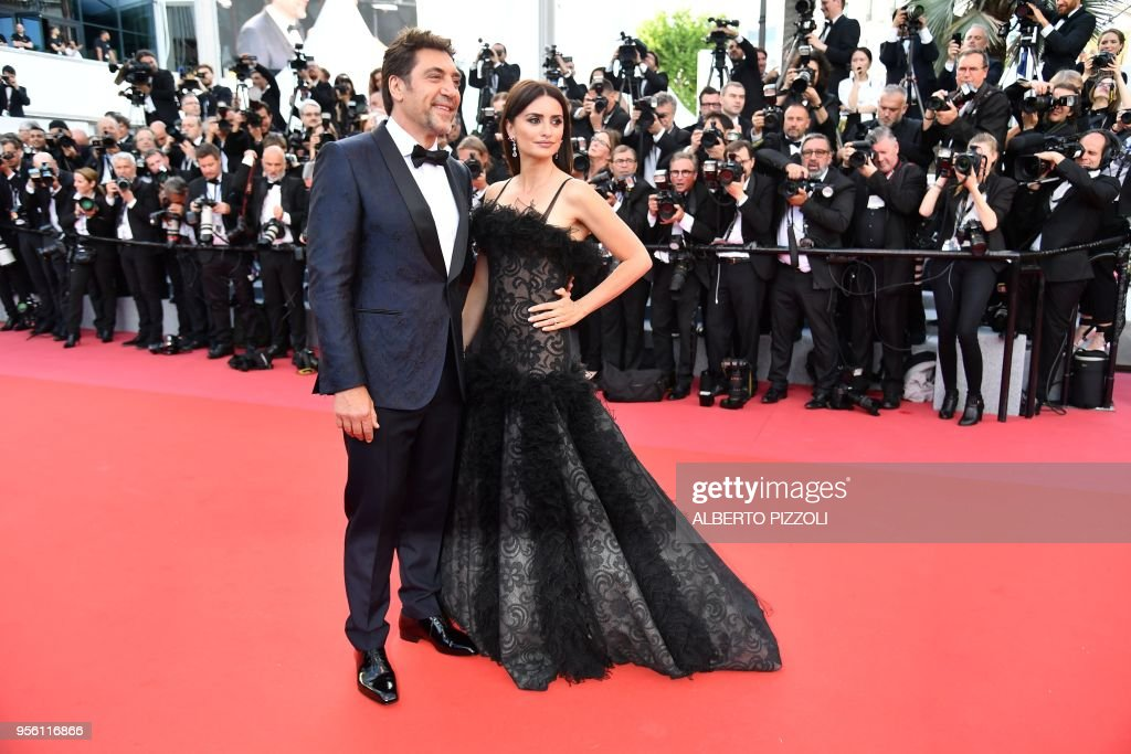 Spanish actor Javier Bardem and Spanish actress Penelope Cruz pose ... 811f1e6d4cb