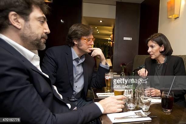 Spanish actor Javier Bardem Spanish director of the movie Hijos de las nubes Alvaro Longoria speak with Spanishborn French socialist party candidate...