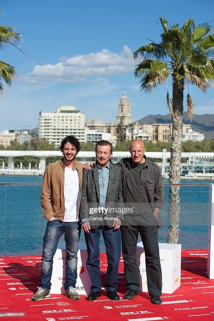 ¿Cuánto mide Juan Diego Ruiz? Spanish-actor-javier-pereira-director-chema-rodriguez-and-actor-juan-picture-id480808489