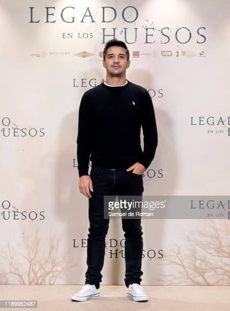Spanish actor Juan Carlos Librado attends Legado En los Huesos Madrid Photocall on November 25 2019 in Madrid Spain