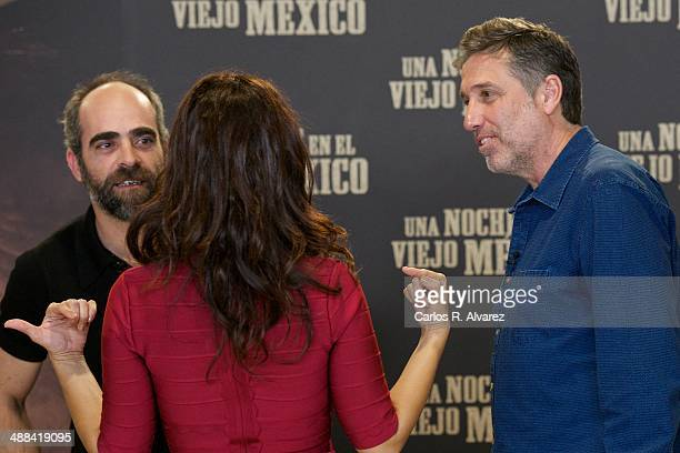 Spanish actor Luis Tosar Colombian actress Angie Cepeda and Spanish director Emilio Aragon attend the A Night in Old Mexico photocall at the...