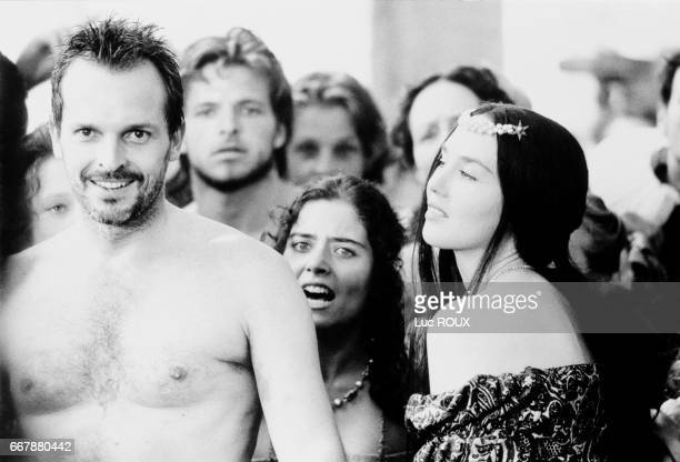 Spanish actor Miguel Bose and French actress Isabelle Adjani on the set of Patrice Chereau's film La Reine Margot