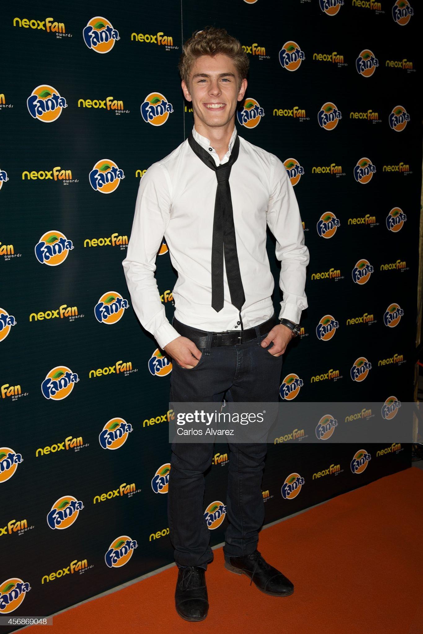 ¿Cuánto mide Patrick Criado? - Altura Spanish-actor-patrick-criado-attends-the-neox-fan-awards-2014-at-the-picture-id456869048?s=2048x2048