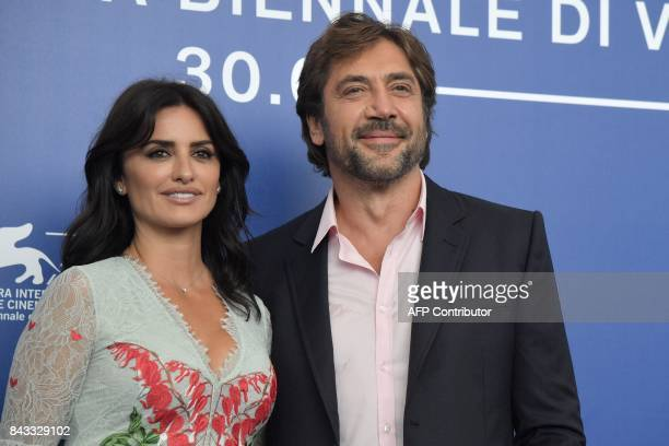 Spanish actors Javier Bardem and Penelope Cruz attend the photocall of the movie 'Loving Pablo' presented out of competition at the 74th Venice Film...