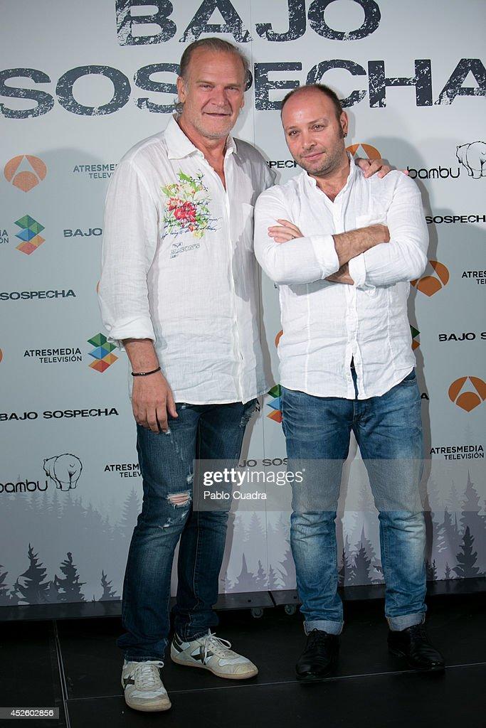 ¿Cuánto mide Lluís Homar? - Altura Spanish-actors-lluis-homar-and-vicente-romero-attend-bajo-sospecha-picture-id452602856