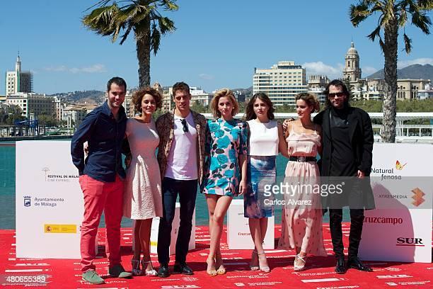 Spanish actors Richard Shaul Megan Montaner Martin Rivas Ana de Armas Andrea Duro Alejandra Onieva and director David Menkes attend the Por un Punado...