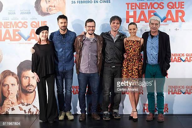 """Spanish actors Veronica Forque, Hugo Silva, director David Serrano, Ernesto Sevilla, Michelle Jenner and Oscar Ladoire attend the """"Tenemos Que..."""