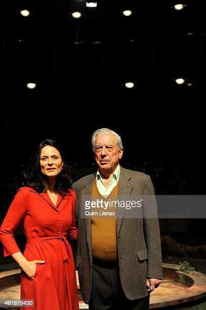 Spanish actress Aitana Sanchez Gijon and Peruvian writer Mario Vargas Llosa attend the press conference for his play 'Los Cuentos de la Peste' at...