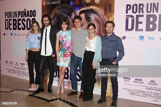 Spanish actress Alejandra Onieva director David Menkes and actors Ana de Armas Martin Rivas Marina Salas and Jan Cornet attend the Por un Punado de...