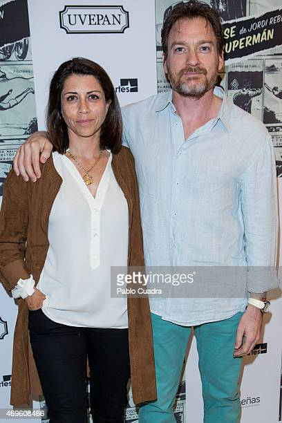 Spanish actress Alicia Borrachero and husband Ben Temple attend the 'Yo Quise Ser Superman' presentation at Bellas Artes theatre on April 13 2015 in...
