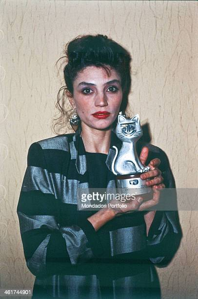 Spanish actress Angela Molina showing the Telegatto award won for her performance in the TV series La Bella Otero GiardiniNaxos 1984