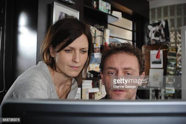 Spanish actress Arly Jover with French director and screenwriter JeanPaul Rouve on the set of his movie Quand je serai petit