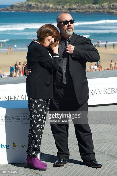 "Spanish actress Carmen Maura and Spanish director Alex de la Iglesia attend the ""Las Brujas de Zugarramurdi"" photocall during the 61th San Sebastian..."