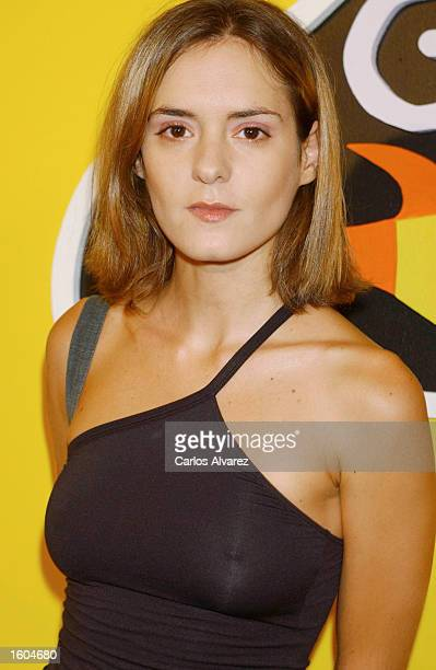 """Spanish actress Eva Santolaria arrives for the premiere of the film """"Gente Pez"""" July 26, 2001 at the Capitol cinema in Madrid, Spain."""
