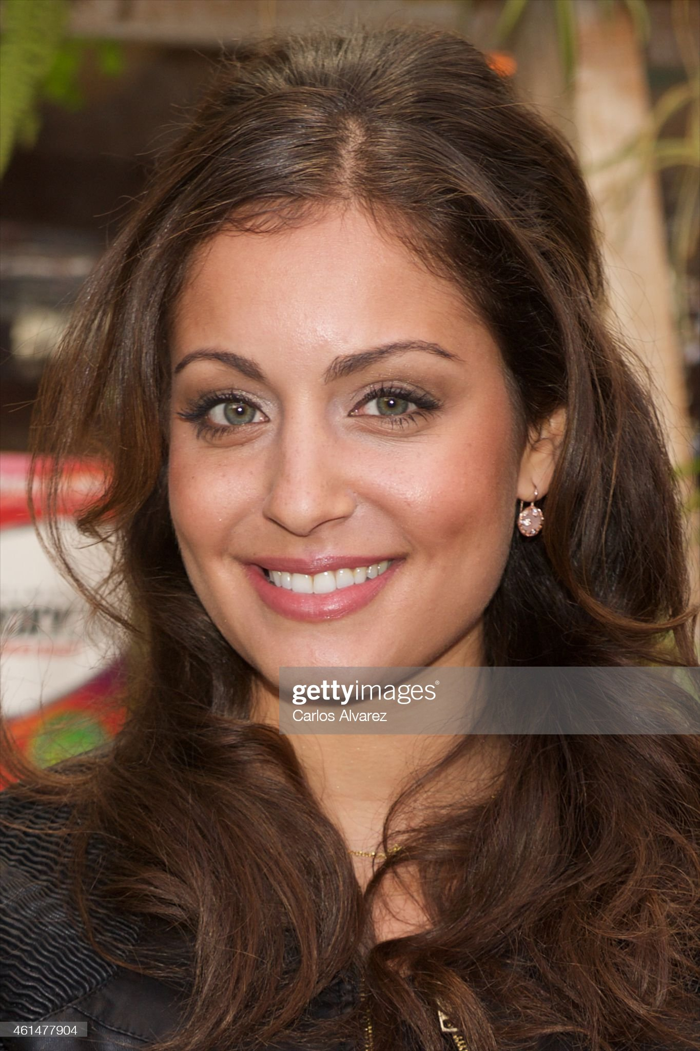 Ojos azules - personas famosas con los ojos de color AZUL Spanish-actress-hiba-abouk-presents-the-new-hydroxycut-at-the-san-picture-id461477904?s=2048x2048
