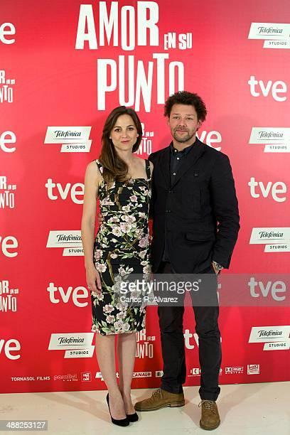 Spanish actress Leonor Watling and British actor Richard Coyle attend the The Food Guide to Love photocall at the Kitchen Club on May 5 2014 in...