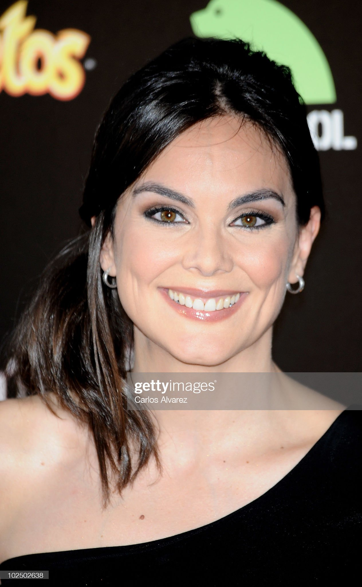 Hazel eyes - Personas famosas con los ojos de color AVELLANA Spanish-actress-monica-carrillo-attends-the-twilight-saga-eclipse-at-picture-id102502638?s=2048x2048
